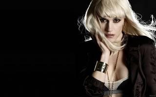 Schöne Schwarz-Weiß-Foto von Gwen Stefani