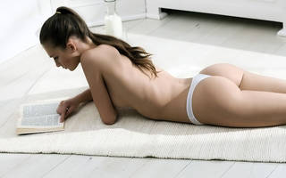 Sexy ass girl.